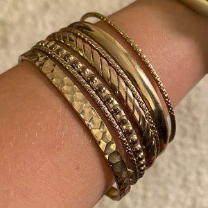 Set of 7 gold bracelets!
